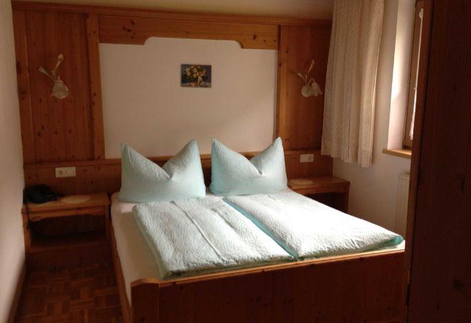 Schlafzimmer Ferienwohnung F 2 für 2-3 Personen