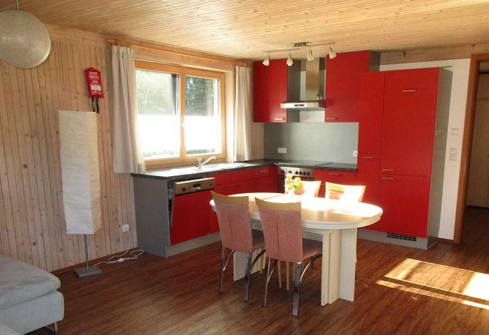 Helle und voll ausgestattete Wohnküche