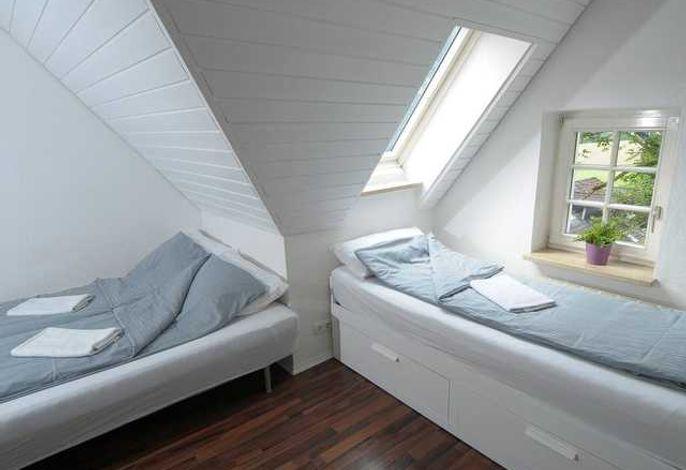 Doppelbett + Einzelbett