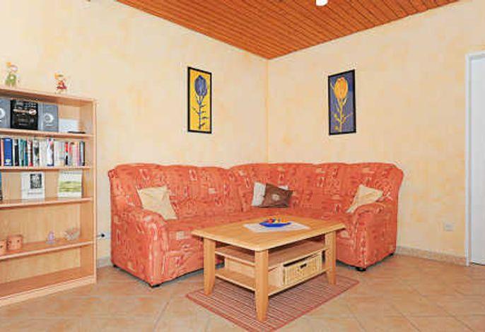 Wohnzimmer mit Essgruppe