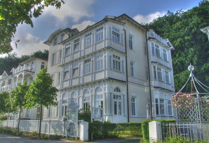 Villa Strandeck, App. Meeresleuchten - direkt am Meer