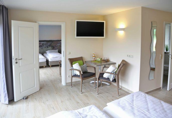2-Raum-Ferienzimmer (48m²) ohne Küche, 2 Bäder, Bett+Bike   B&B   Fahrradpension Ostseeland Rerik