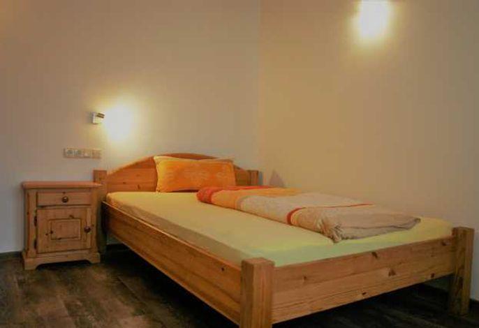 Einzelzimmer Premium 140cm breites Bett