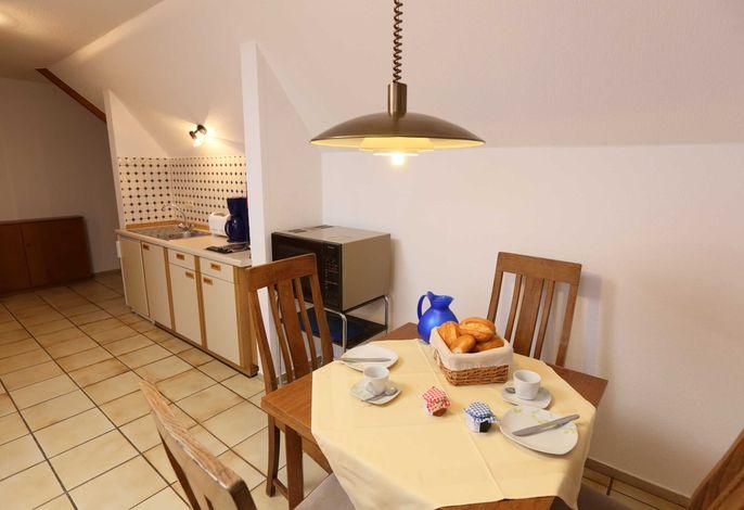 Küchenzeile und Essecke Ferienwohnung II