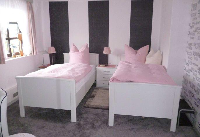 Schlafbereich Ferienwohnung 24 Landhaus Stella-Kathrin