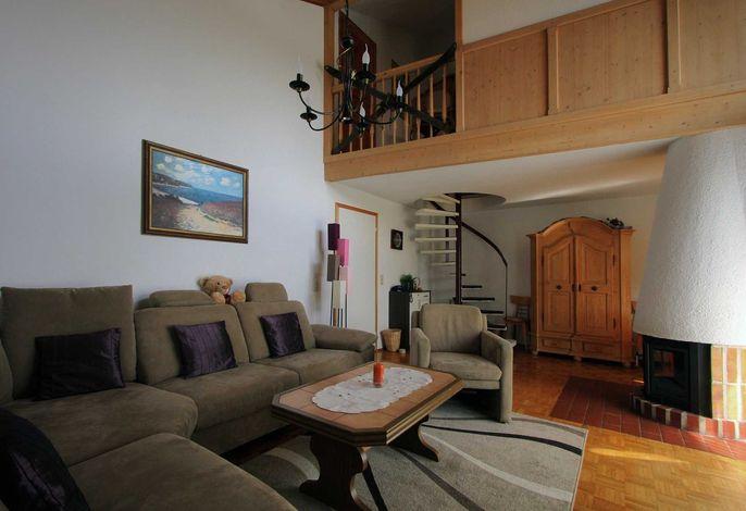 Wohnzimmer mit Empore in der Fewo Sternenhimmel