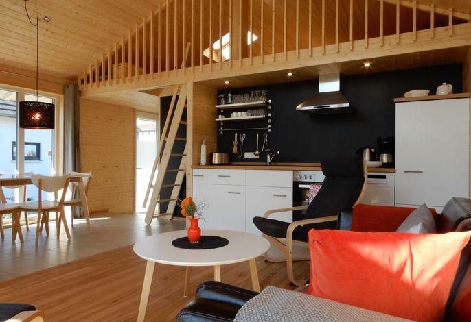 Schwarzes Holzferienhaus an der Ostsee (Z5) - 4 Personen +2