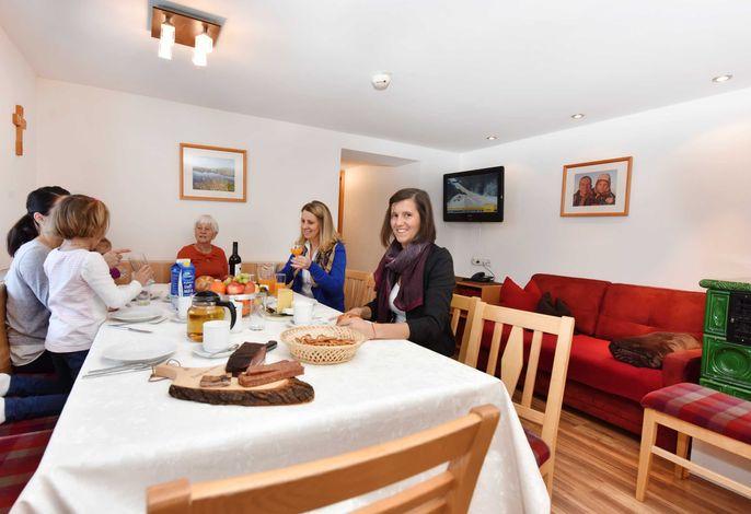 Appartement 101 Agnes für 8-10 Personen in Kappl Paznaun-Ischgl, Essbereich mit reichlich Platz