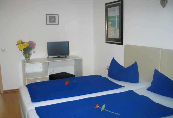 Boxspringbett (2 Betten ne  Boxspringbett (2 Betten je 90cmx2m) können auch einzeln gestellt werden