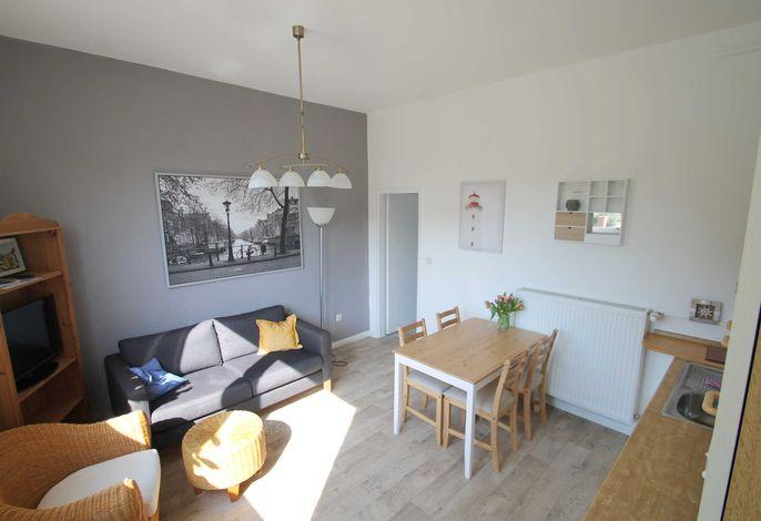 Wohnbereich mit offen integrierter Küche