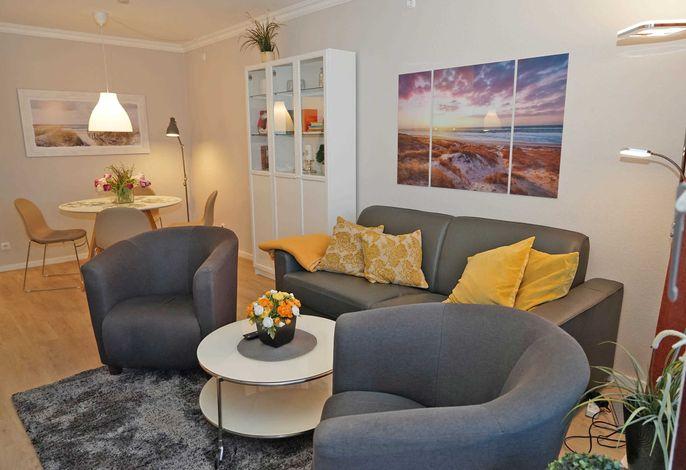 Renovierung in 2020: Wohnzimmer mit Schlafsofa