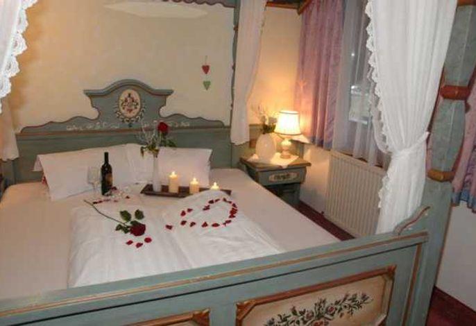 Doppelzimmer Tiroler Stil