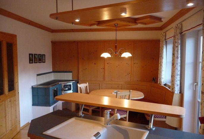 Essbereich mit Ofen Top 1