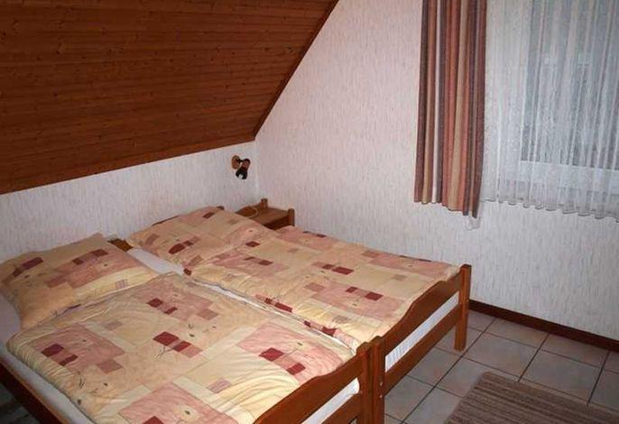 Schlafzimmer - Haus Back, Wohnung OG links, Theodor-Mommsen-Weg 8, St. Peter-Bad