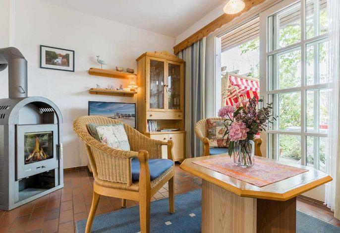 Wohnzimmer mit Kaminofen - St Peter Ording Dorf, Magisterhof, Hausteil 8 Greetje, Olsdorfer Straße 4
