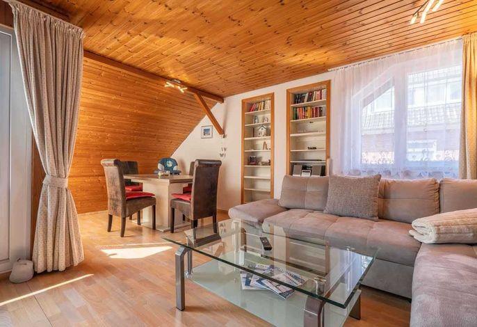 Wohnzimmer und Essbereich Haus Loreley, Wohnung 35, Im Bad 37, St. Peter-Bad