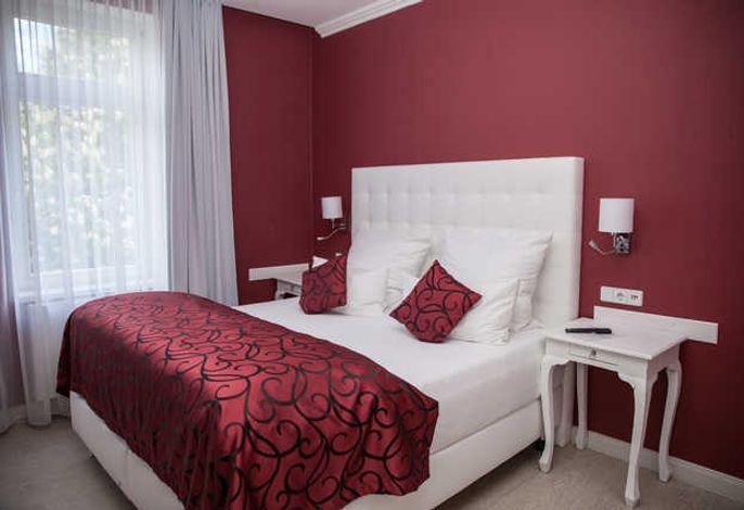 Hotel & Pension Villa Laluna UG