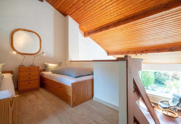 1. Schlafzimmer (Empore)