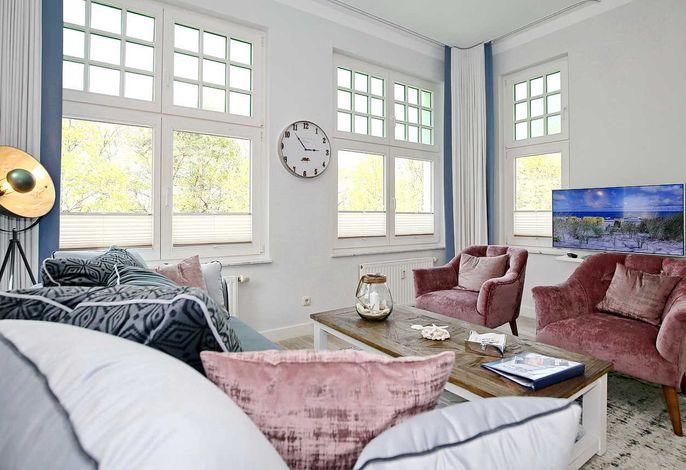 Wohnbereich mit Flachbild-TV