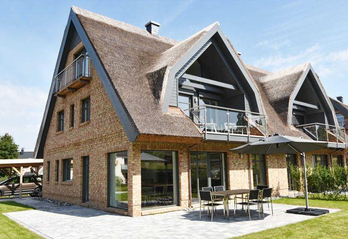 exklusive Reetdach-Villa Ostseefrische