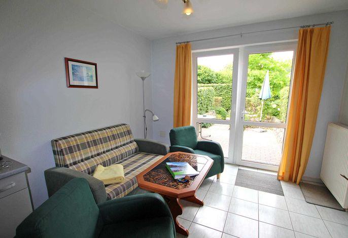 Wohnraum mit Zugang zur Terrasse