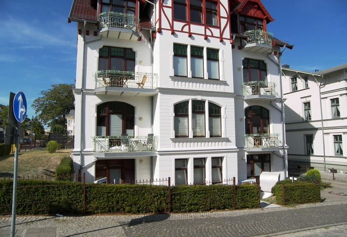 Villa Medici Appartement 5 ***nur 70m zum Strand***