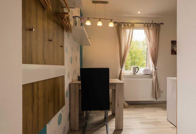 Zweiter Raum (Essbereich und Küchenbereich)