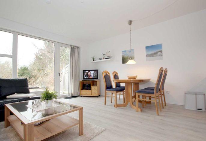 Wohnzimmer mit LCD/TV,SAT/Receiver und DVD Player