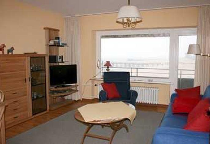 Wohnzimmer mit Südbalkon und Meerblick