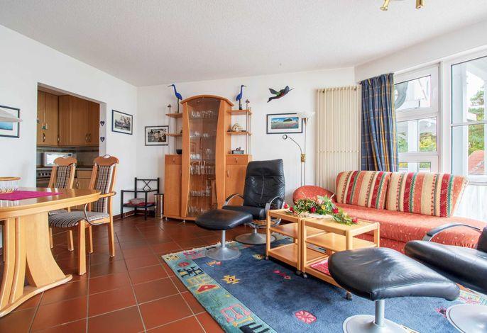 Wohn-/ Essbereich mit Zugang zur Küche