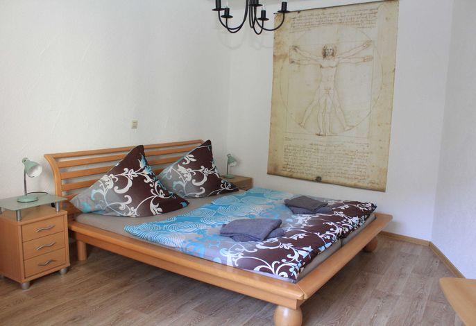 Schlafzimmer 2   1 Doppelbett es besteht die Möglichkeit einer weiterne Aufbettung