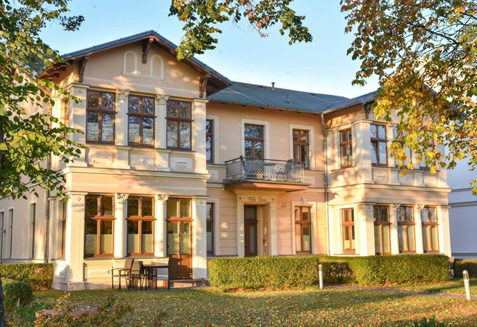 (64d) Villa Luna 09