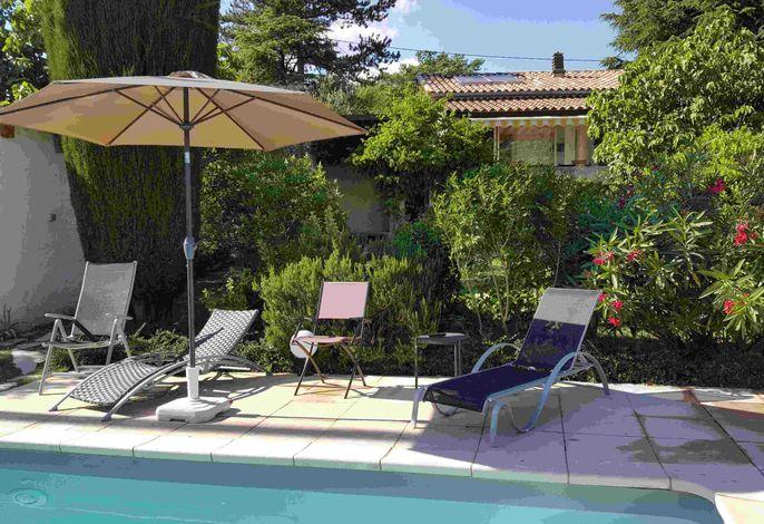 Haus in Provence mit Garten und Pool
