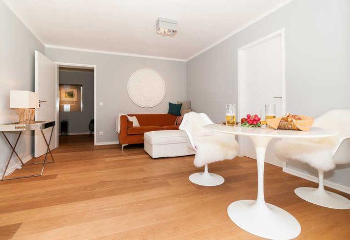 Ferienwohnung Seeglück, Wohnzimmer mit Essbereich