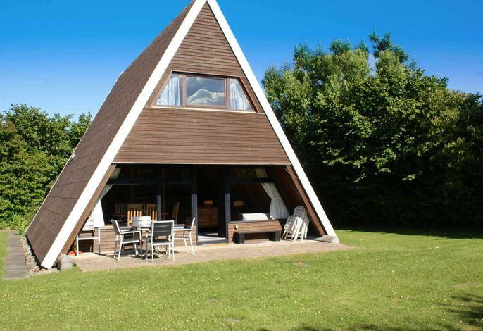 Zeltdachhaus mit W-LAN in Strandnähe