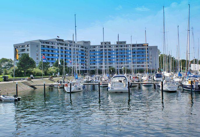 Ostseeresidenz am Hafen und den beiden Stränden