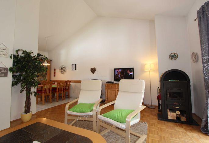 Beispielbild Wohnbereich mit Kaminofen