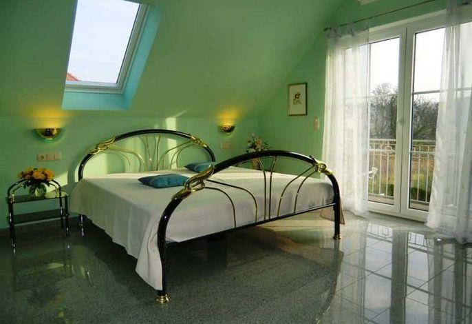 Appartement Kap Arkona - Duschbad mit WC und Waschbecken - WLAN - Parkplatz direkt am Haus kostenlos - möblierter Balkon in Südrichtung