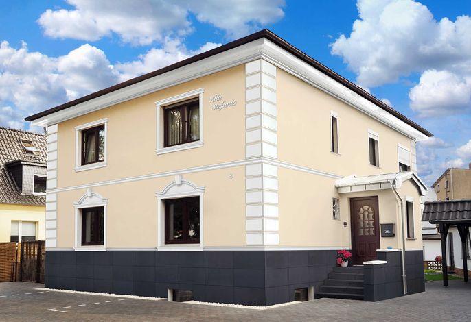 Villa Stefanie und Bungalows