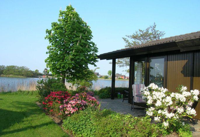 Einfach schön gelegen. Das Ferienhaus mit Seeblick.